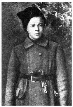 А. Голиков, зачисленный в комендантскую команду  Штаба обороны всех железных дорог Республики. Конец 1918 г.
